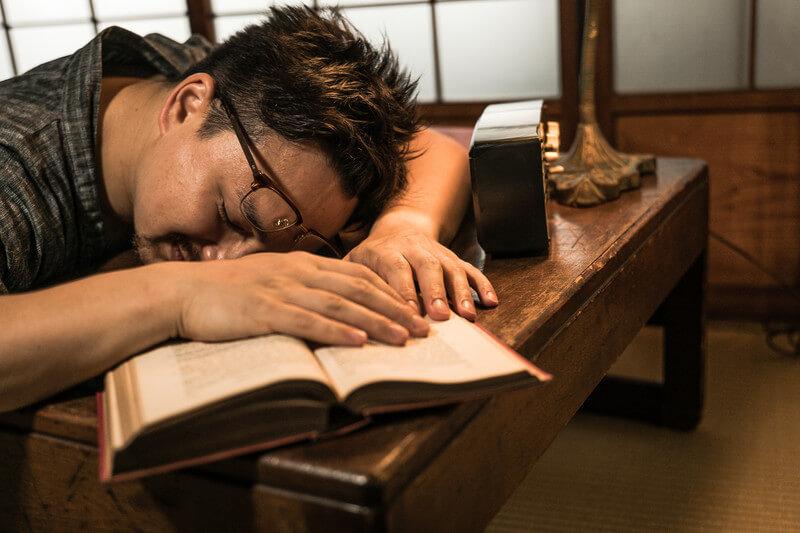 本を読むのが嫌い!でも本を読んで成長したい人へ送る【本嫌いでも楽しく読めるビジネス書】